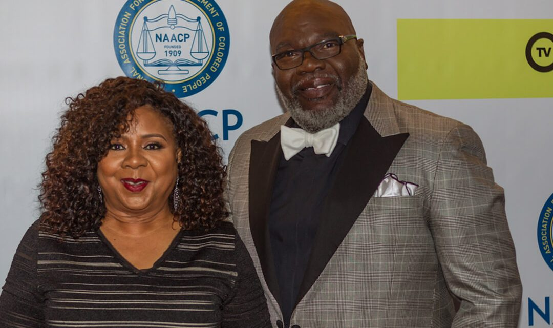 TD Jakes Gets Roasted for Wearing Ripped Jeans to Church