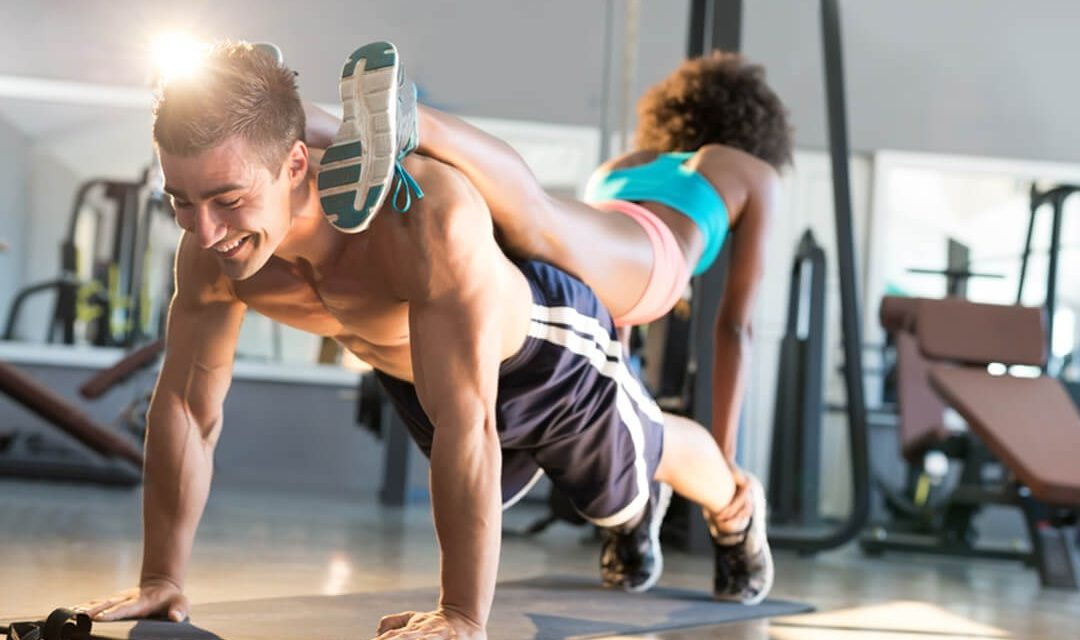 The Top 6 Exercises Your Boyfriend Does In The Gym That You Should Totally Do As Well