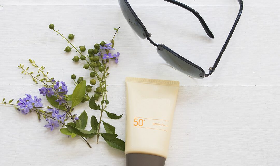 Think Twice Before Putting on Sunblock This Summer – Use A Natural Alternative