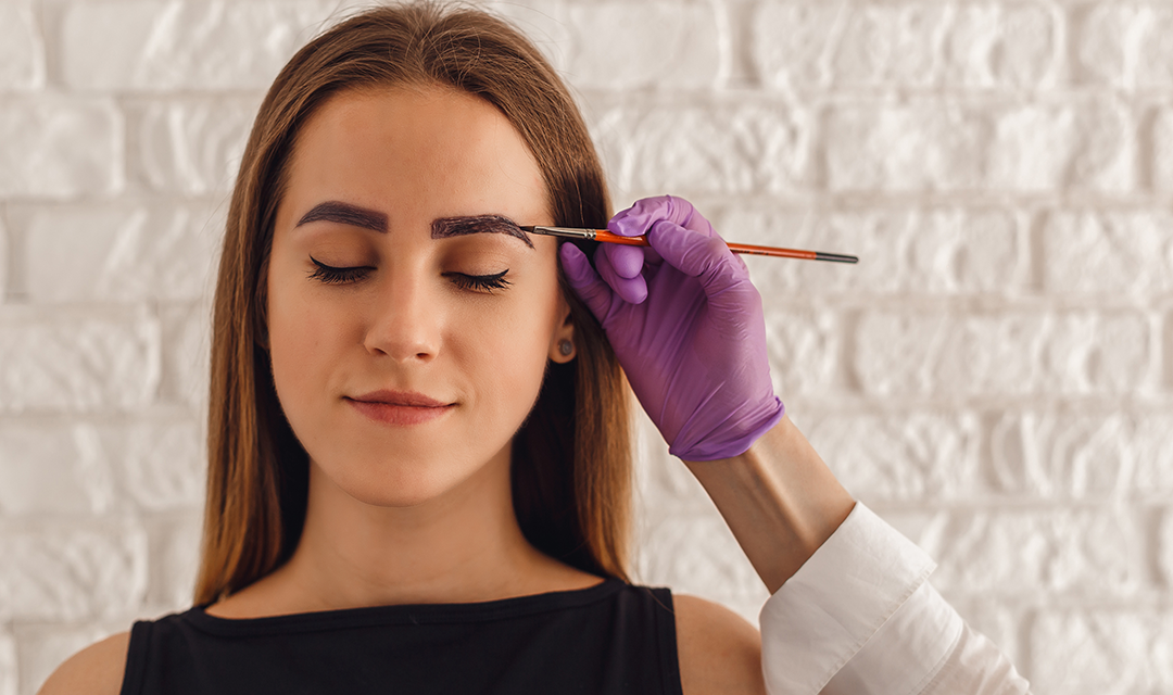 How to Apply Henna to your Eyebrows for Thickness and Tinting
