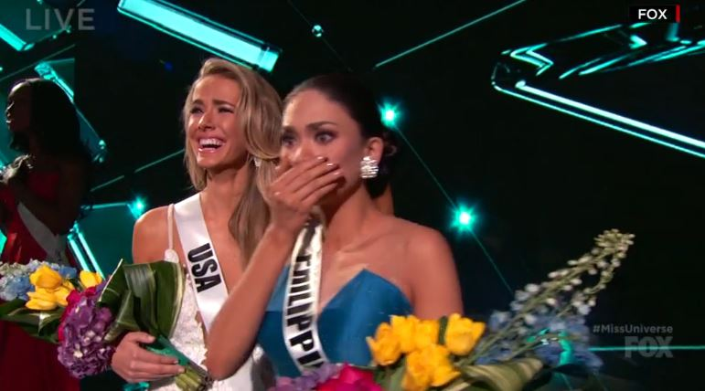 Steve Harvey Crowns Wrong Woman In The Miss Universe Competition