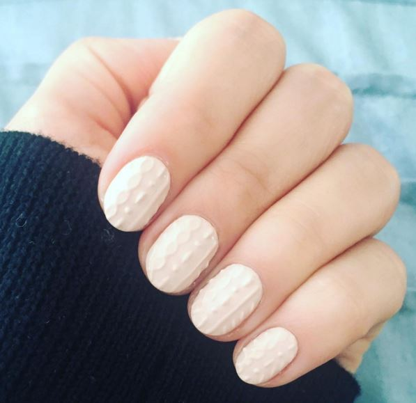 sweater nails 4