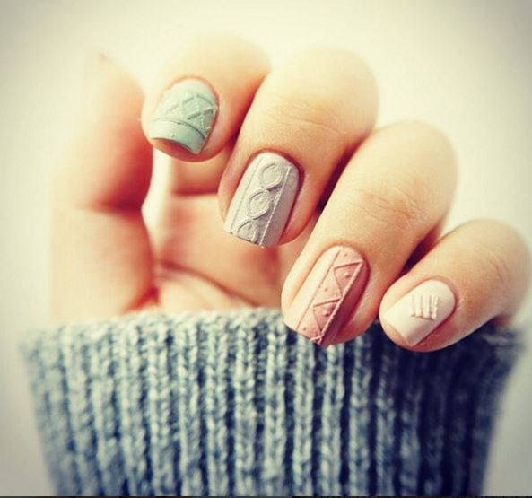 We Are So Here For The Sweater Nail Trend – 7 Styles + Video Tutorial